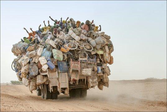Camion de migrants dans le désert nigérien