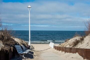Wejście na plażę nad Morzem Bałtyckim