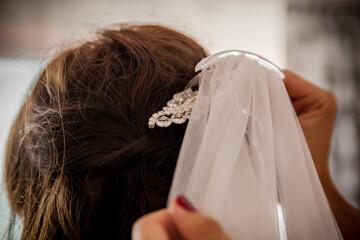 Ślub welon włosy biżuteria panna młoda piękno wesele