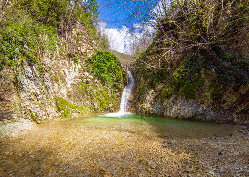 Revotano and Eremo di San Leonardo (Roccantica, Italy) - The spectacular attractions in Sabina mountain: the surreal green karst sinkhole named Revotano and the ruins of old hermitage of Saint Leonard
