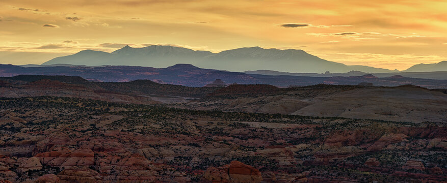 Grand Staircase-Escalante National Monument: Sunrise over the Henry Mountains