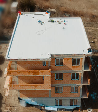 Flat roof with hot air welded pvc membrane waterproofing for ballasted system