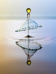 Uderzająca kropla z wody