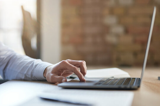 Online work becoming more popular in the modern world