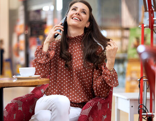 Conceptual picture of an elegant lady during shopping