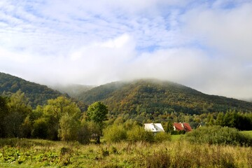 Bieszczady, góry na Podkarpaciu w Polsce, wejście na szlaki