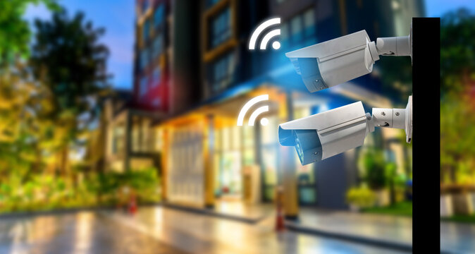 Cctv camera system on pillar wifi technologyMulti-angle CCTV on pillar 360 degree system Outdoor common areas, public buildings, security, background blast cipping path.