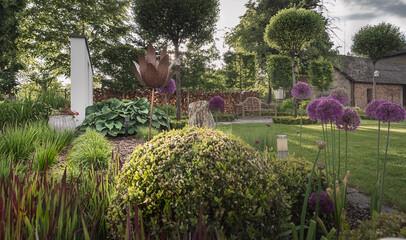 wiosenny ogród, piękny ogród, ogród, garden, beautiful garden, zielony ogród, nowoczesny ogród