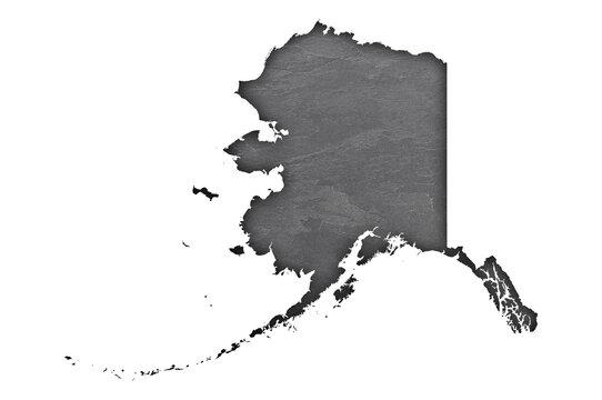 Karte von Alaska auf dunklem Schiefer