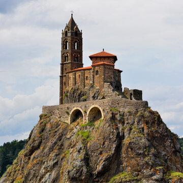 Carré chapelle saint michel d'Aiguilhe à Le Puy-en-Velay (43000), département de la Haute-Loire en région Auvergne-Rhône-Alpes, France