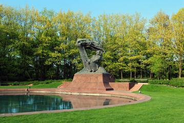 Obraz Fryderyk Chopin - pomnik w Łazienkach Królewskich w Warszawie - fototapety do salonu