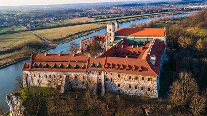 Fototapeta Klasztor w Tyńcu przy zachodzącym słońcu obraz