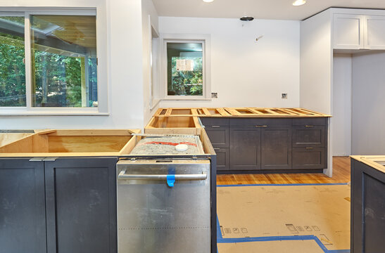 Making balsa wood templates for kitchen countertops - the cooktop area