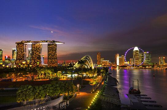 Marina bay Sands during twilight