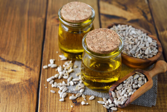 Organic raw sunflower seed oil
