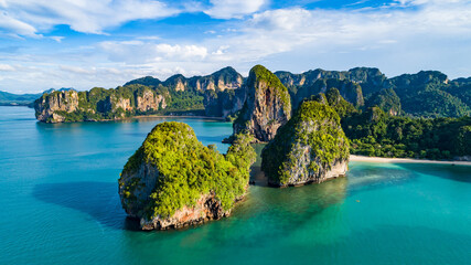 Fototapeta Railay beach in Thailand, Krabi province, aerial view of tropical Railay and Pranang beaches and coastline of Andaman sea from above