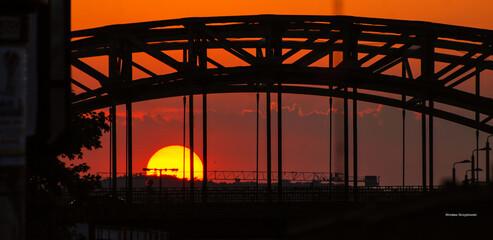 zachód słońca i wiadukt 2