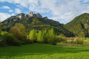Widok na szczyt Trzy Korony w Pienińskim Parku Narodowym.