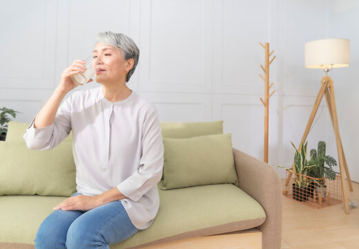 The health of the elderly must pay attention to nutrition and resistance,Contains Plain water