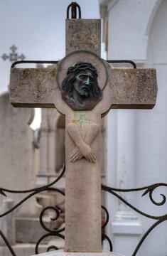 Croix tombale au cimetière marin de Sète, Hérault, France