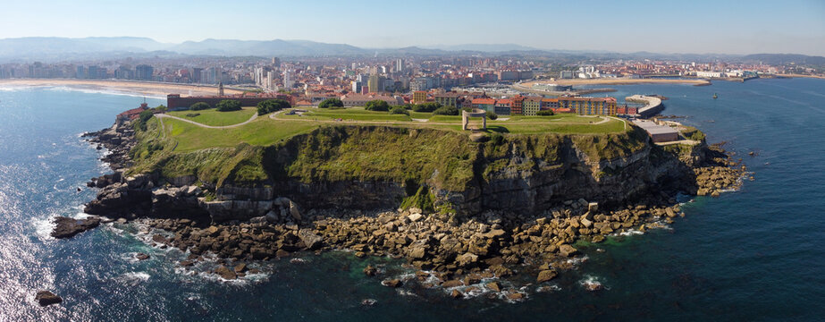 Panorámica de Cimadevilla en Gijón