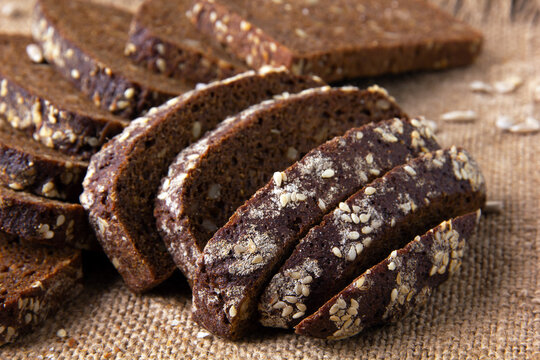 Sliced rye bread baked with sunflower seeds and linseeds.