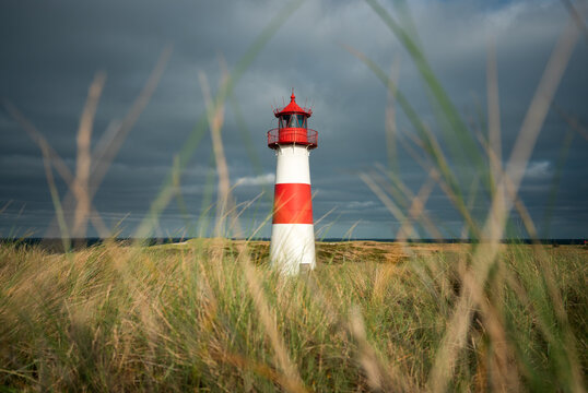 Lighthouse List Ost on a cloudy day, Sylt, Schleswig-Holstein, Germany