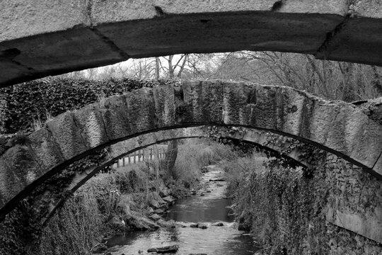 Succession de petits ponts sur le Gier