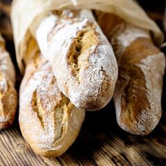 Obraz bagietka, jedzenie, piekarnia, pieczone, swiezy, śniadanie, posiłek, biała, bagietka, zboza, mączny, francuski - fototapety do salonu