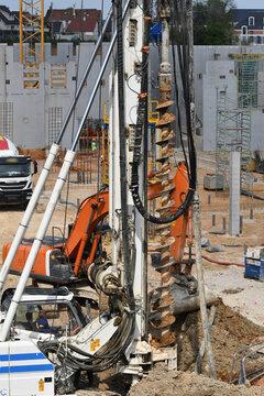 forage de pieux sur chantier de construction
