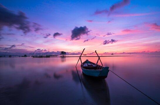 Lindo Nascer do Sol Natureza Mar Barco