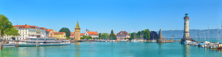Fototapeta Panorama of Lindau harbor on Lake Constance.