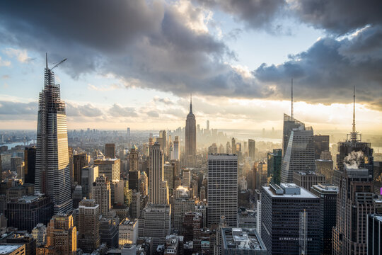 Manhattan skyline with Empire State Building, New York City, USA