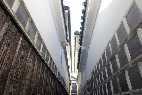 江戸時代にタイムスリップしたような 旧山陽道矢掛宿の伝統的町並み/家並(大高草小路)