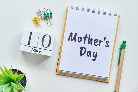 Holiday Mother Day - 10 tenth May Month Calendar Concept