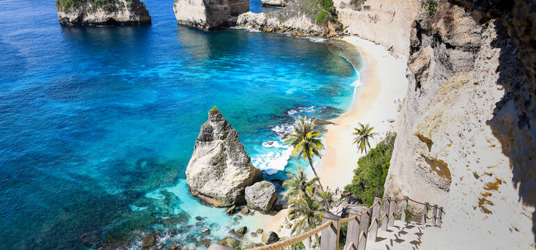 Panoramic view with Stairway to Heaven at Diamond beach in Nusa penida island, Bali in Indonesia.