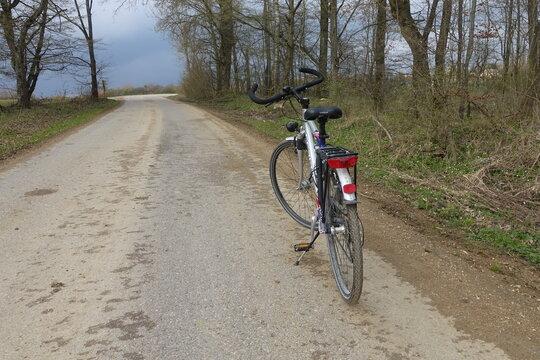 Fahrrad fahren in der Natur