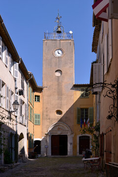 Church of Sainte Marie Madeleine in a typical alley in the french village of Biot, commune is a small fortified medieval hilltop village in the Provence-Alpes-Côte d'Azur