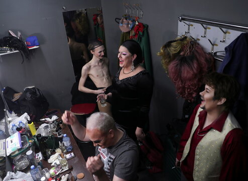 Performers get ready for DragLesque Show in Moscow