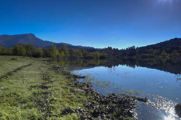krajobraz góry jezioro woda zieleń natura