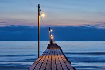 電柱のあるレトロ桟橋 原岡海岸 南房総