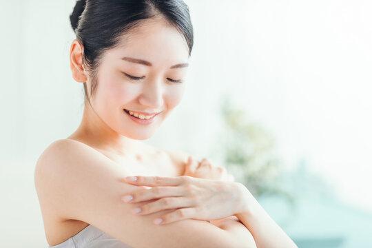 美容・スキンケア・保湿・ビューティー(腕)