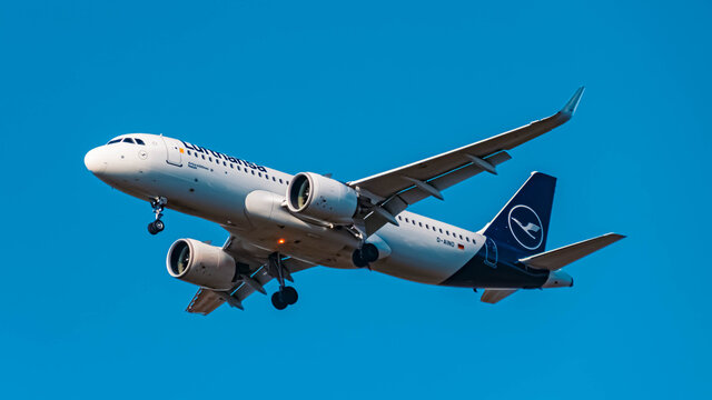 Lufthansa Airbus A20N (D-AINO) approaching munich airport MUC on a sunny winter day