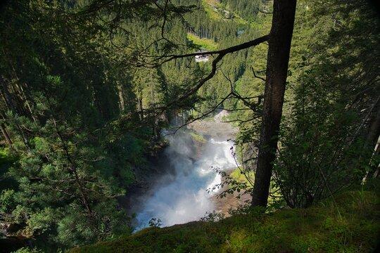Wilde Krimmler Wasserfälle in Österreich