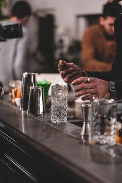 ristorante bar cocktail food glass strainer bartender barman bicchiere alcolico aperitivo - Luca Baldereschi