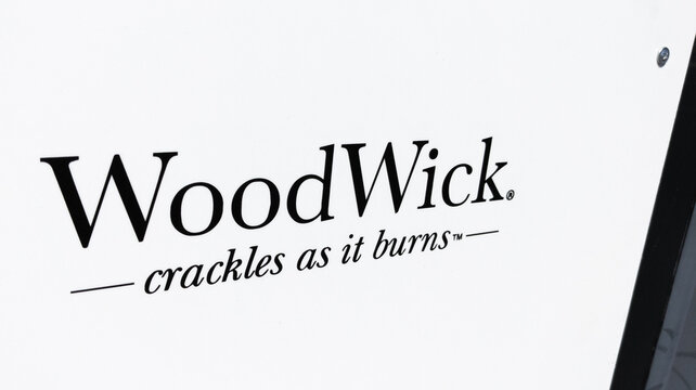 WoodWick candles brand text and sign logo store from Yankee Candle Company shop