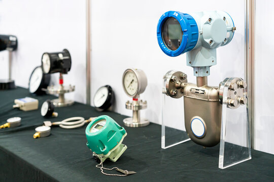 Various type flow meter for high accuracy liquid oil water measuring and indicator mass flow rate temperature density and control in industrial work