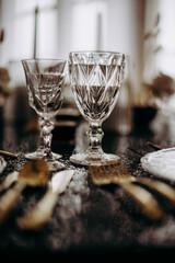 Zastawa ślubna na sali weselnej