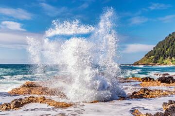 Le puits de Thor ou Thor's well. Réserve marine du Cap Perpetua (Cape Perpetua). État de l'Orégon, côte Pacifique. États-Unis