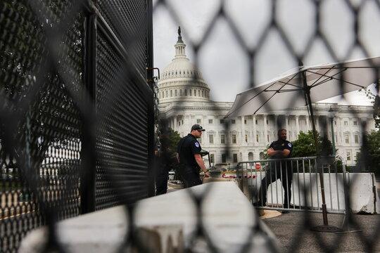 U.S. Senate fails to pass legislation for a commission to investigate January 6 attack in Washington